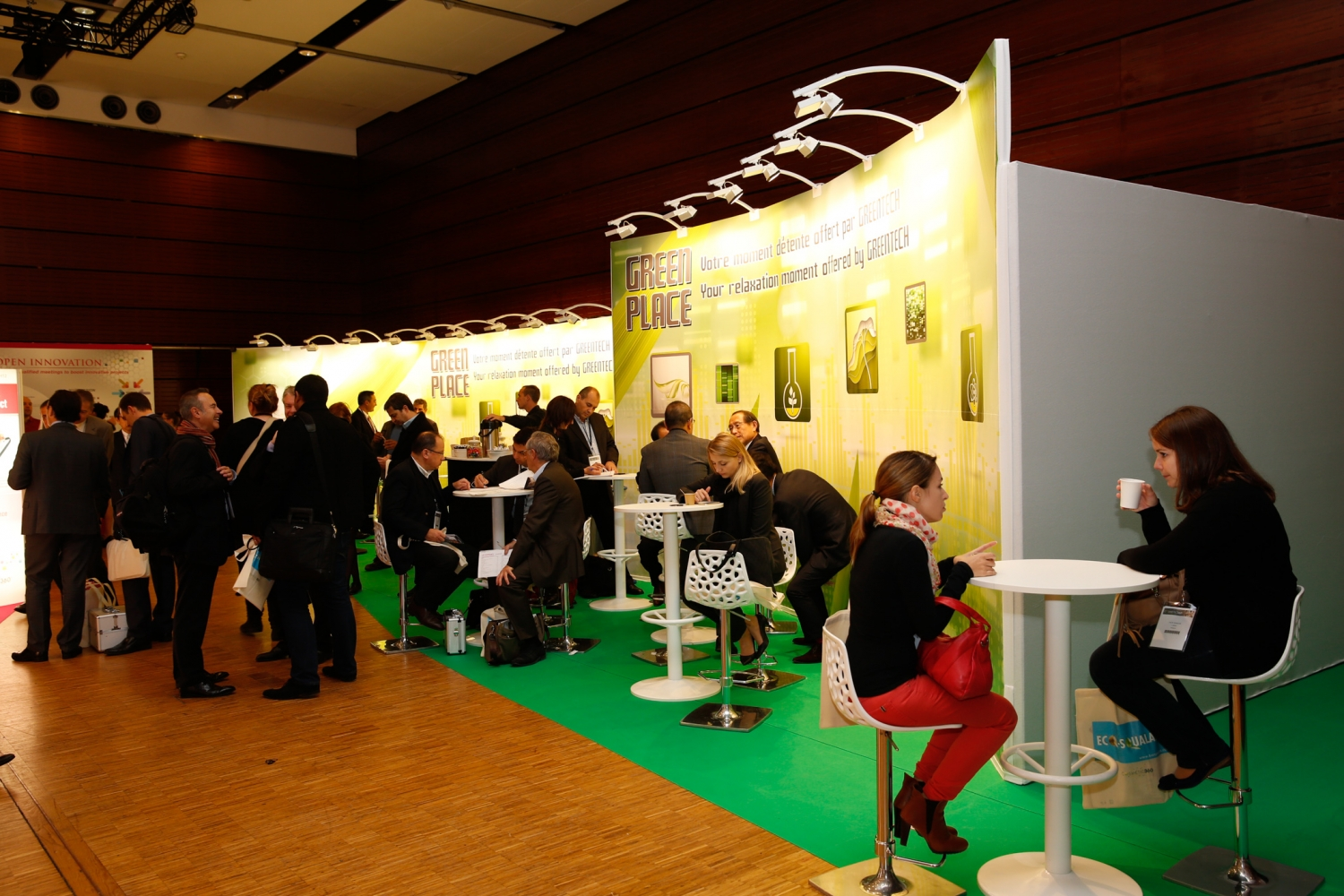 Corner Exhibition Stands Zone : Stands cosmetic